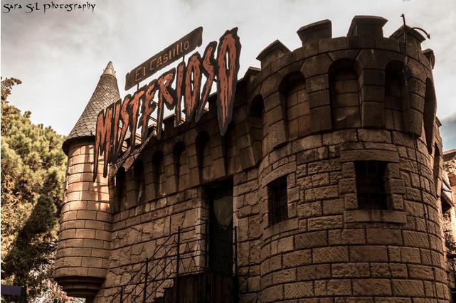 Castillo Misterioso del Tibidabo en Capricho de Mamíferos